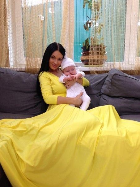 Гусева феофилактова с ребенком фото