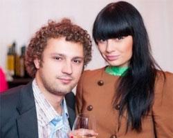 Кузнецов и Ермолаева все еще муж и жена (10.06.2013г)