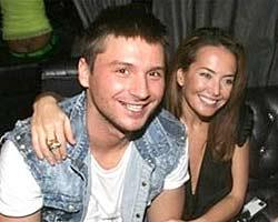 Сергей Лазарев пиарится за счет Жанны Фриске