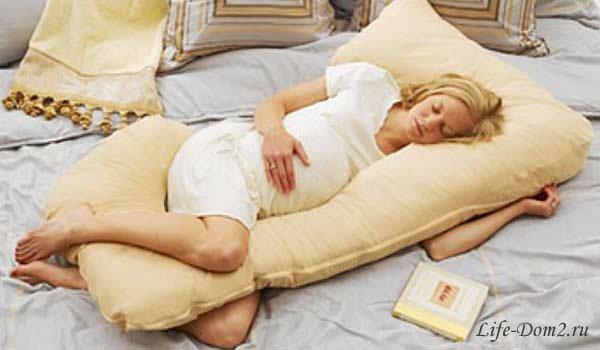 Как правильно вставать с кровати при беременности