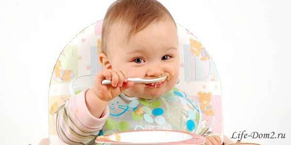 Как научить малыша кушать самостоятельно