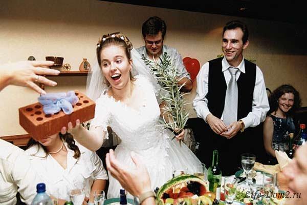 Выбор свадебного подарка для молодоженов