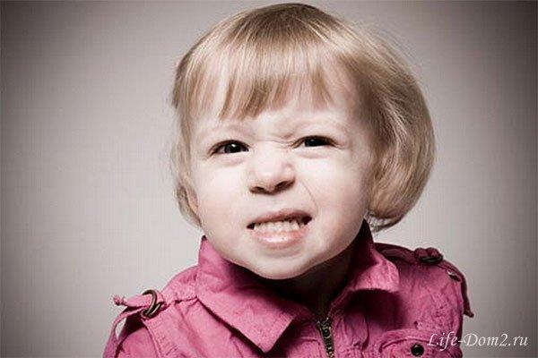 Почему ребенок скрипит зубами?