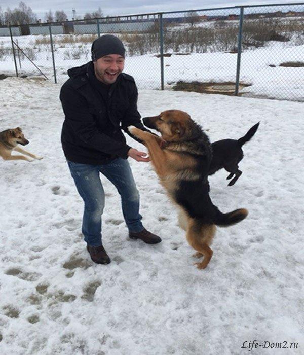 Черкасов и Трегубенко посетили приют для животных. Фото