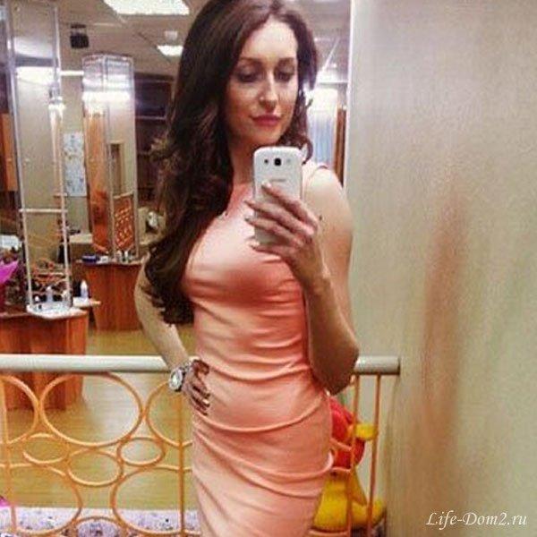 У Кристины Дерябиной появилась грудь. Фото