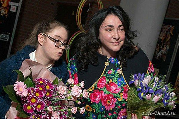 Артист Королевского цирка покорил 16-летнюю дочь Лолиты
