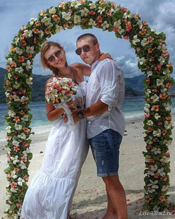 Элла смогла убедить Игоря сыграть свадьбу