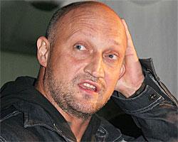Гоша Куценко показал свою роскошную детскую шевелюру