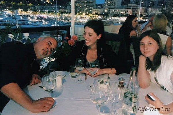 Валерий Меладзе устроил дочкам отдых в Монако