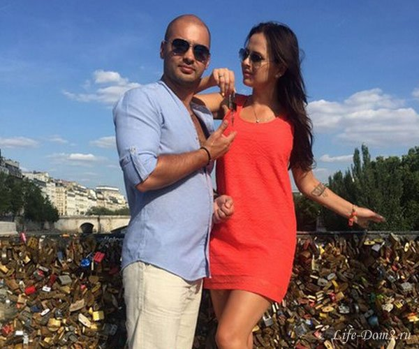 Черкасов и Романец отдыхают в Париже