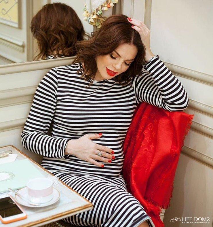 От кого стоцкая беременна 38