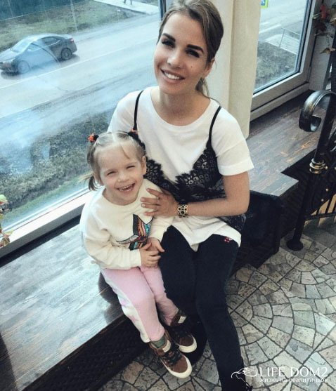 Дочери Александры Гозиас будет стыдно за свою мать