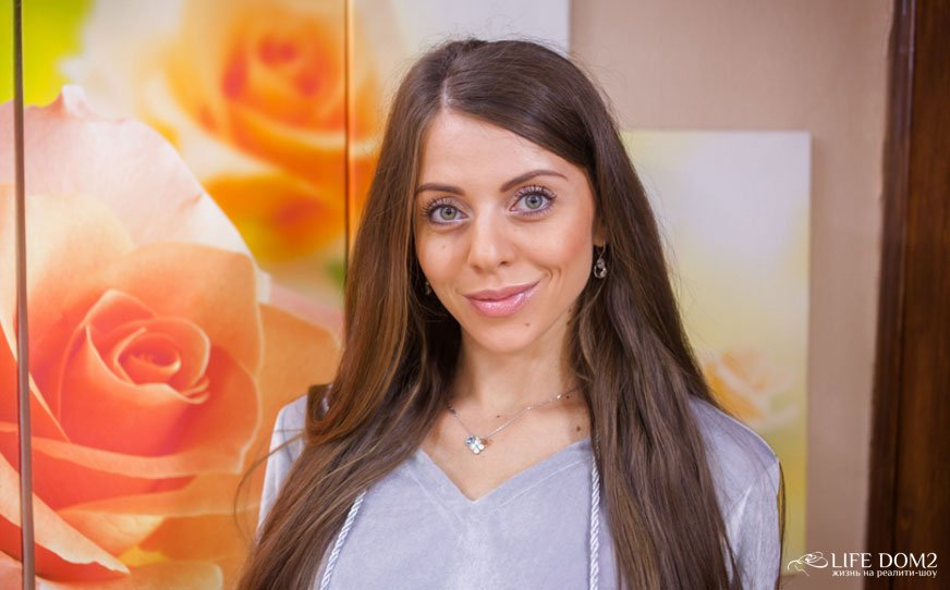 Ольга Рапунцель позорит себя и свой родной город Владивосток