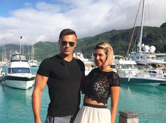 Майя Донцова и Алексей Купин изображают самую искреннюю пару
