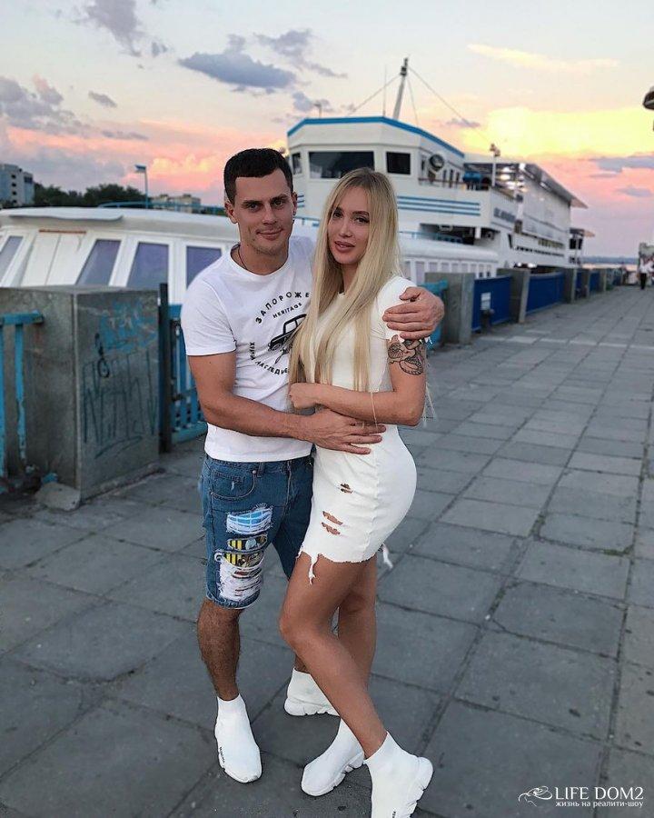Фотоотчёт с отдыха на Украине Ивана Барзикова и Елизаветы Полыгаловой