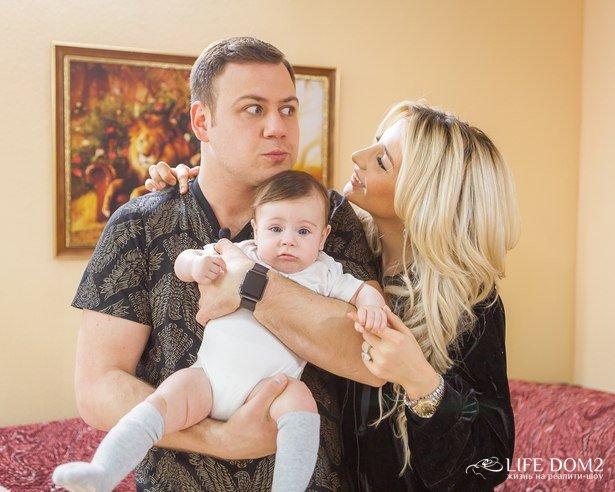 Фотоподборка молодой и счастливой семьи Таты и Валеры Блюменкранц