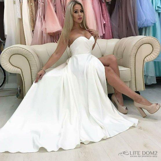 Мария Кохно пошла искать свое идеальное свадебное платье