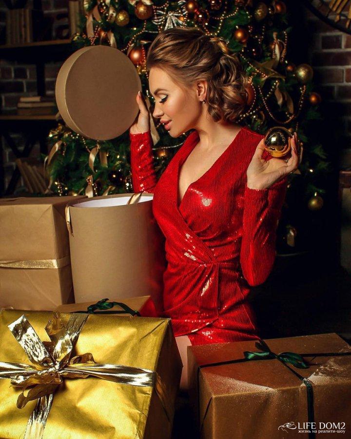 Новогодняя фотосессия всегда очаровательной Евгении Феофилактовой