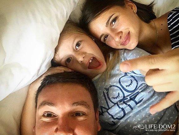 Андрей Чуев со своей девушкой Викторией отдыхает в Дубае