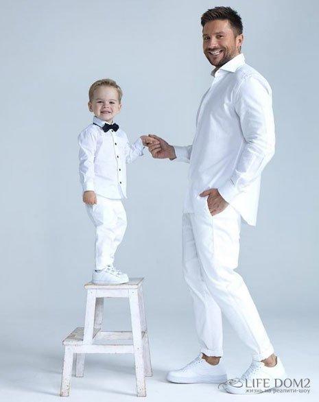 Лазарев выложил первое нормальное фото с сыном Никитой