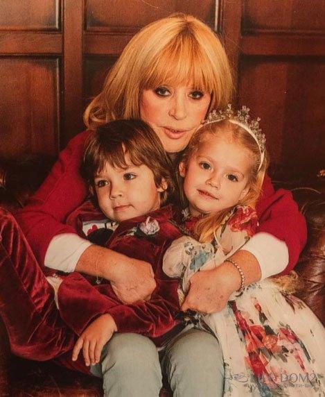 Дети Пугачевой подружились с приемным внуком