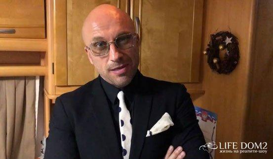 Дмитрий Нагиев выплатит одному своему фанату 20 миллионов в течение 10 лет
