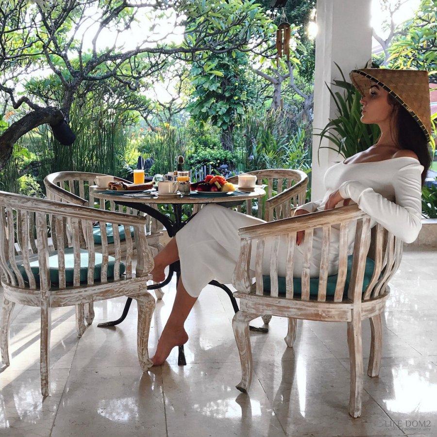 Алёна Водонаева и Алексей Косинус в свадебном путешествии на Бали