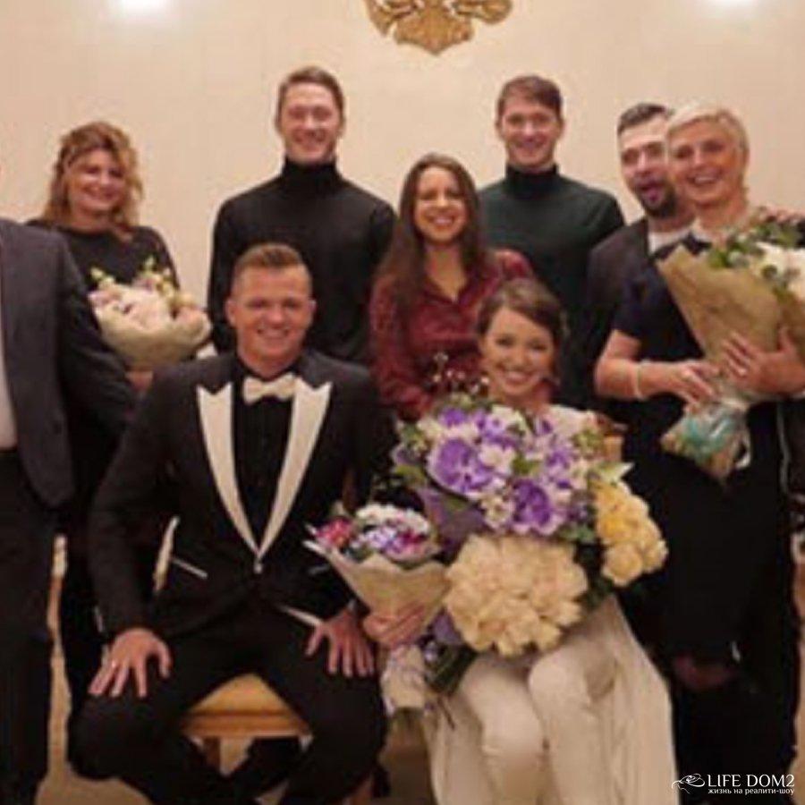 В сети появились фотографии со свадьбы Дмитрия Тарасова и Анастасии Костенко