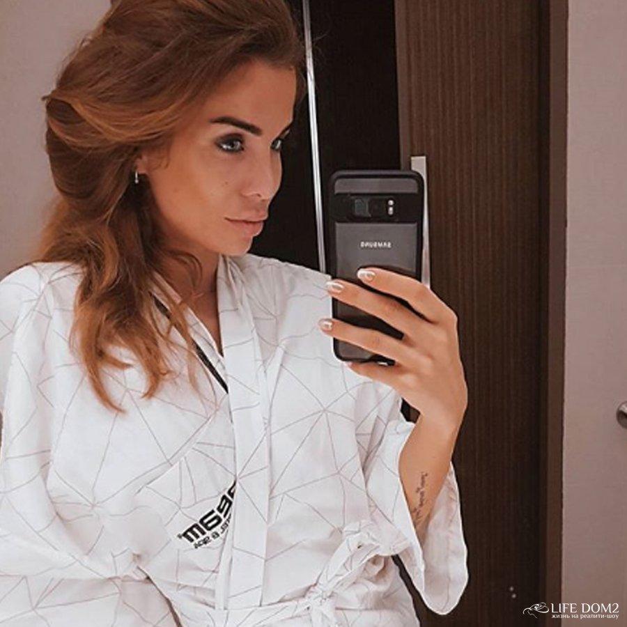 Бывшая участница телепроекта «Дом 2» Александра Гозиас выдала некоторые проектные секреты