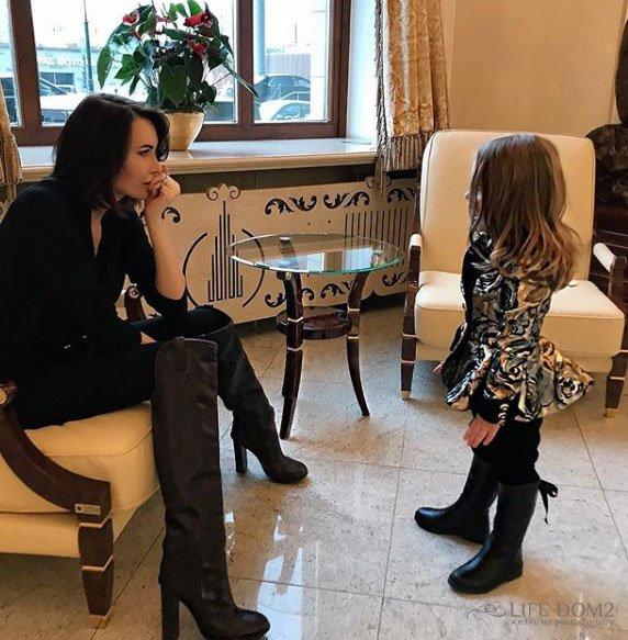 Александр Задойнов не дал Элине Камирен разрешения на вывоз их дочери в Штаты