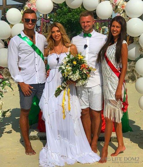 Таня Мусульбес и Виктор Литвинов принимают поздравления от поклонников