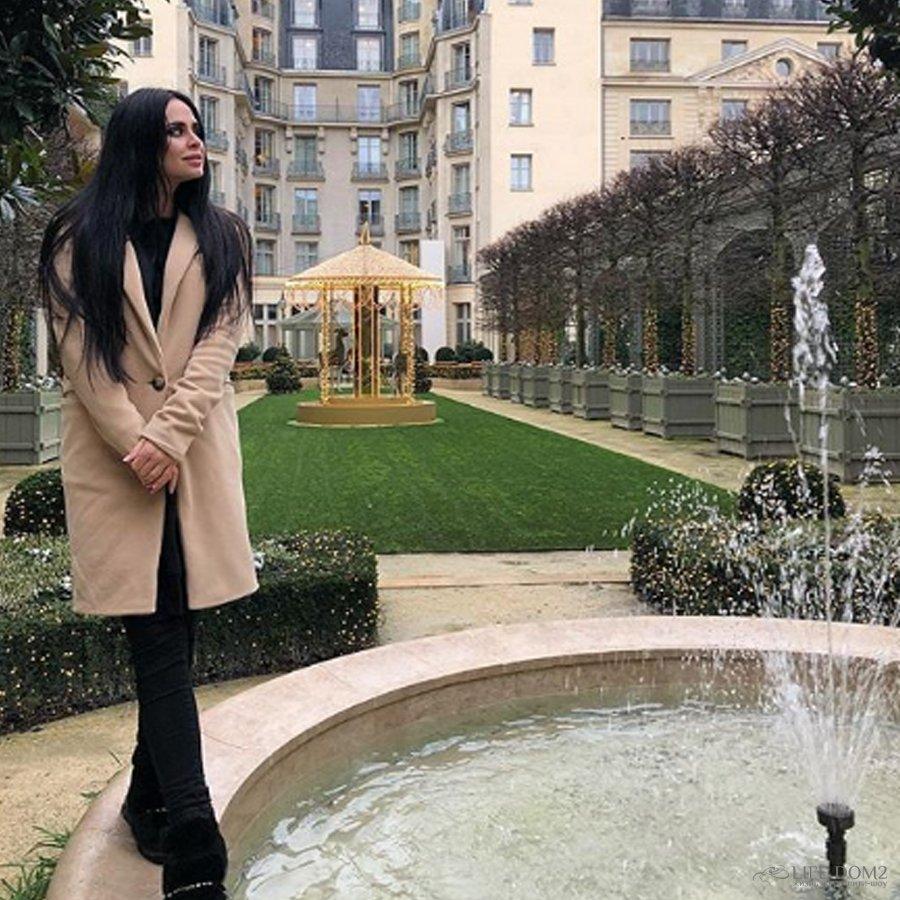 Экс-участница телепроекта «Дом 2» Виктория Романец пошла на конфликт со служащей госструктуры