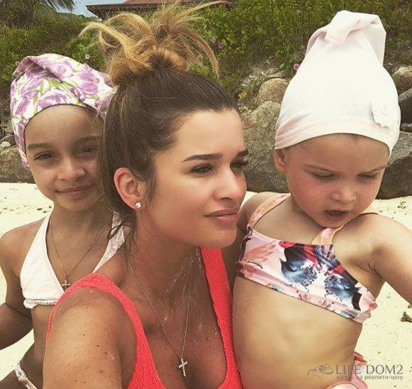 Ксения Бородина на Сейшелах проводит много времени с семьей