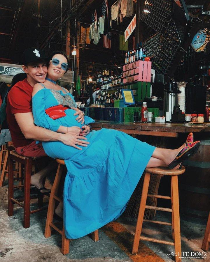 Фотоподборка беременной Нелли Ермолаевой и Кирилла Андреева с Майами