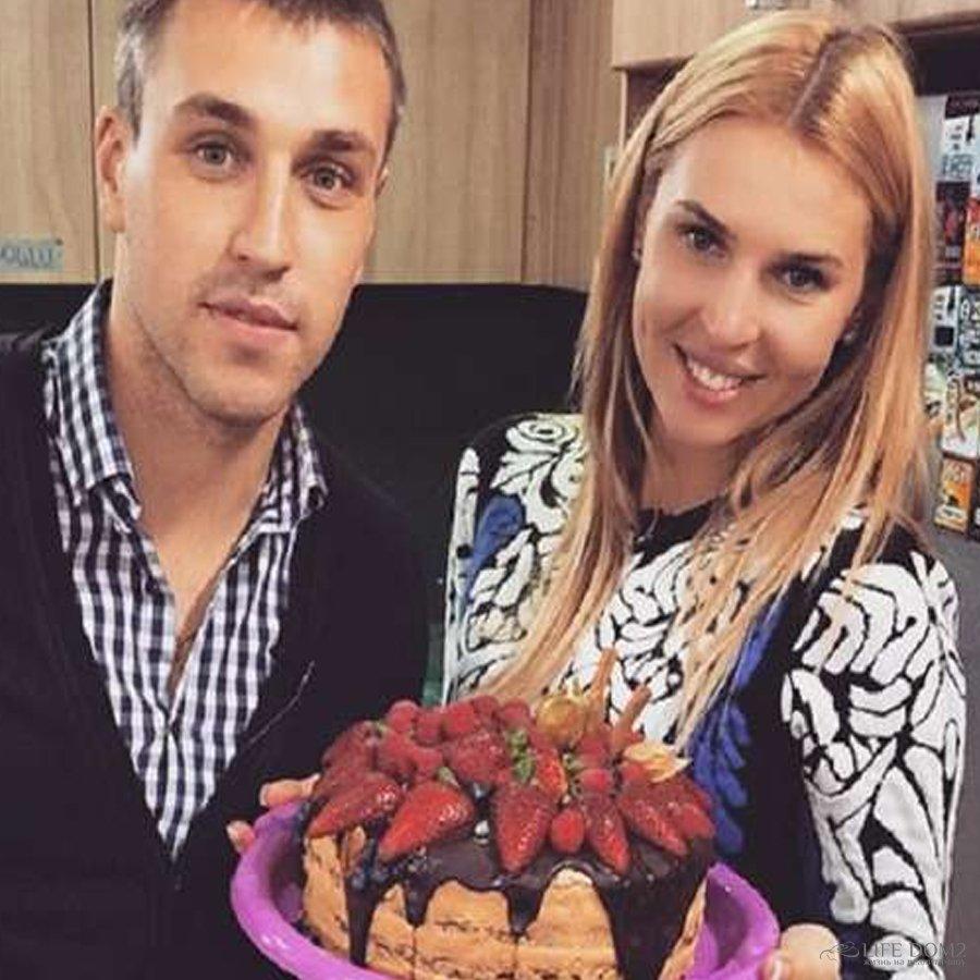 В сети появилась версия, которая объясняет расставание Эллы Сухановой и Игоря Трегубенко