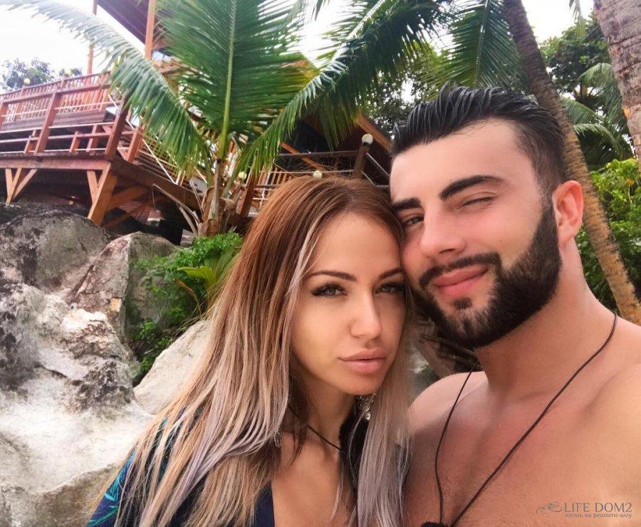 Фотоподборка влюблённых Лизы Триандафилиди и Алексея Чайчица с далёких Сейшел