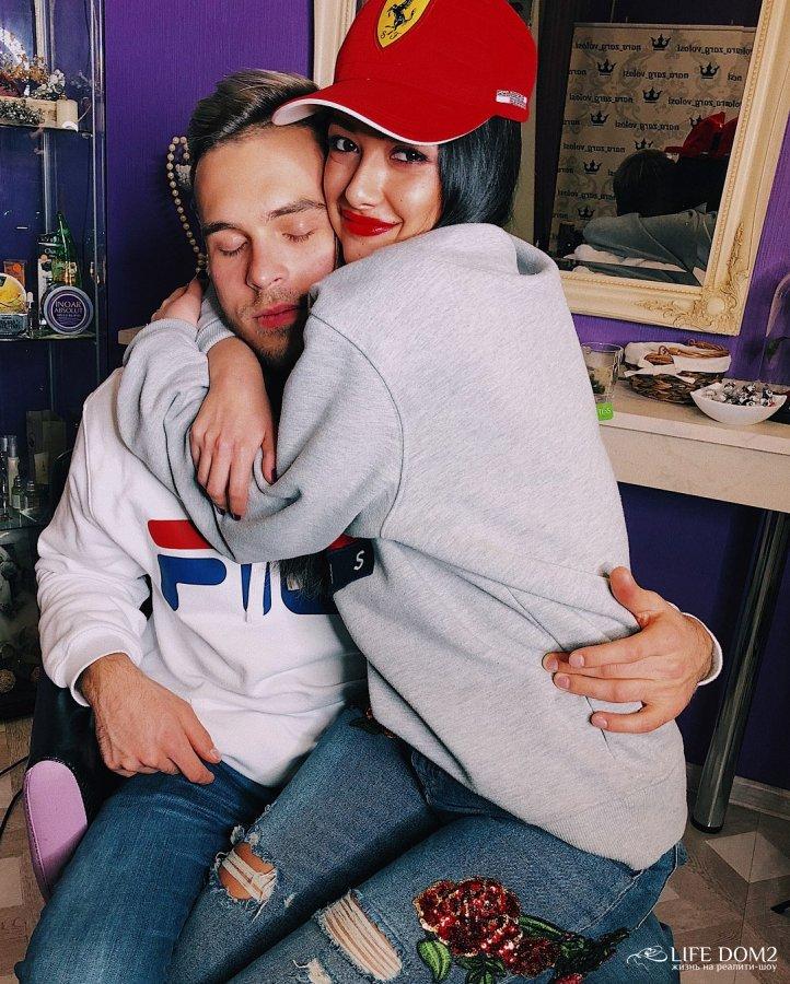 Фотоподборка экс-участницы «Дом 2» Мэри Кулешовой со своим новым молодым человеком