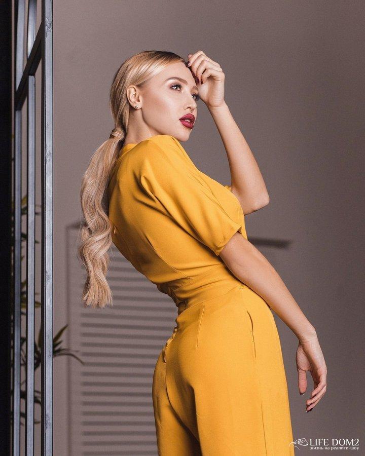 Фотосессия очаровательной экс-участницы «Дом 2» Елизаветы Полыгаловой