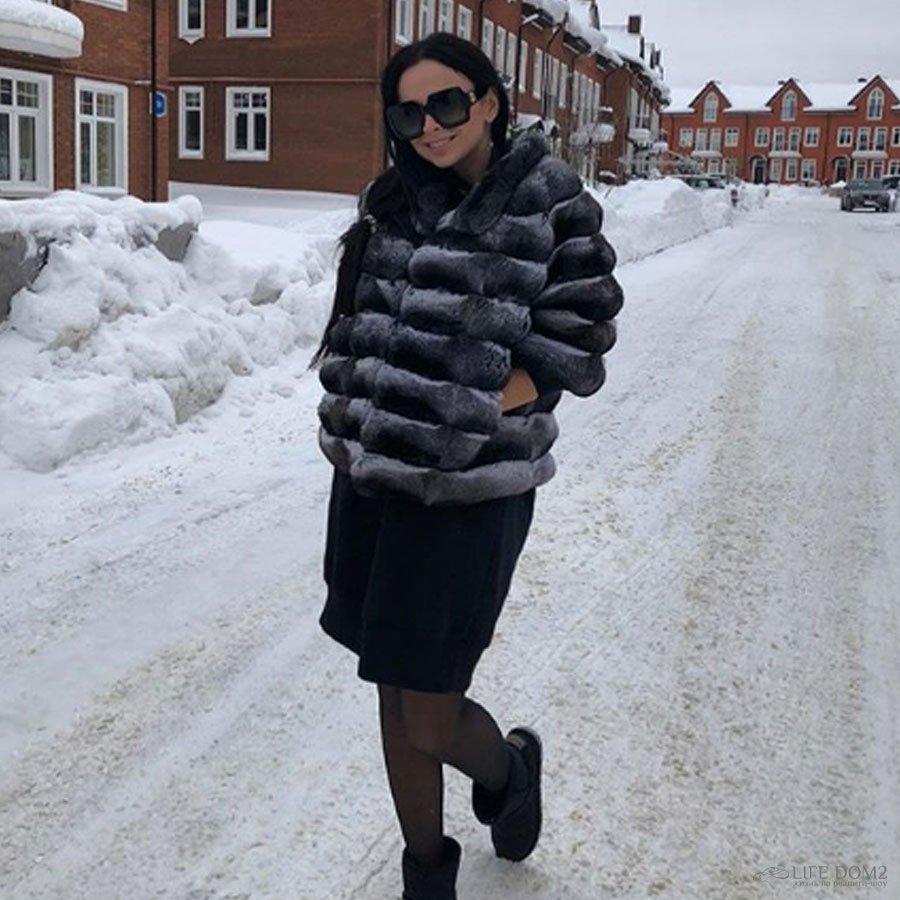На свежих снимках у Виктории Романец обнаружили двойной подбородок