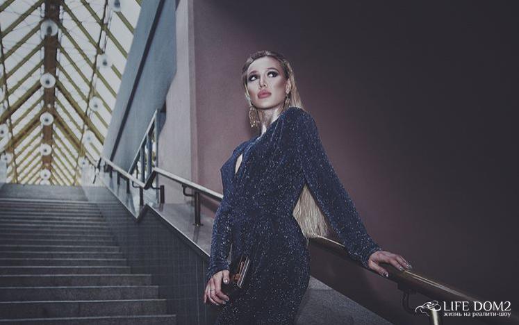 Фотосессия неподражаемоей экс-участницы «Дом 2» Лизы Полыгаловой