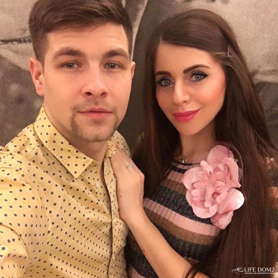 Стало известно, что Дмитрий Дмитренко отвез Ольгу Рапунцель в роддом