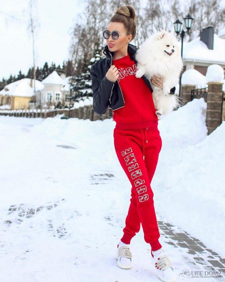Евгения Феофилактова очень дорожит своей собачкой