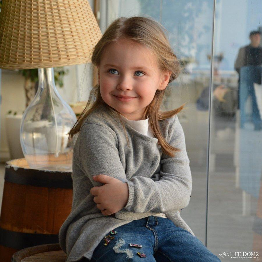 Фото ребенка Элины и Сашы Задойнова