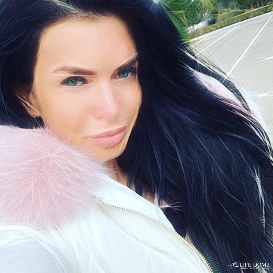 Катя Жужа высмеяла Ксению Бородина на своей странице в социальной сети