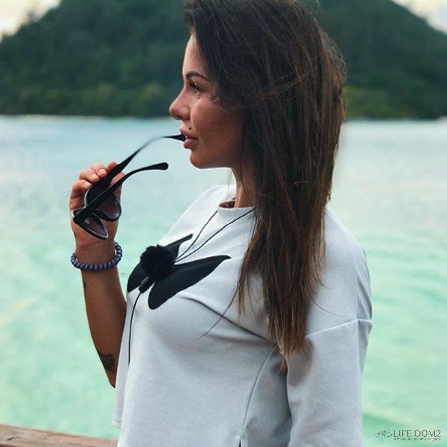 Следы на лице Александры Шевы озадачили многих зрителей телешоу