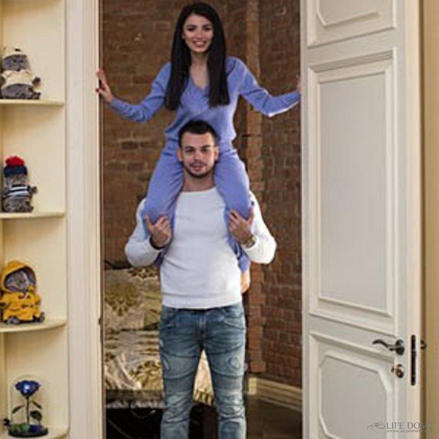 Лилия Четрару и Сергей Захарьяш похвастались съемным жильем за 120 тысяч рублей