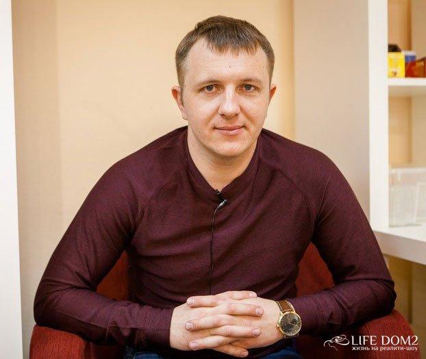 Илья Яббаров не смог за себя заплатить в парикмахерской