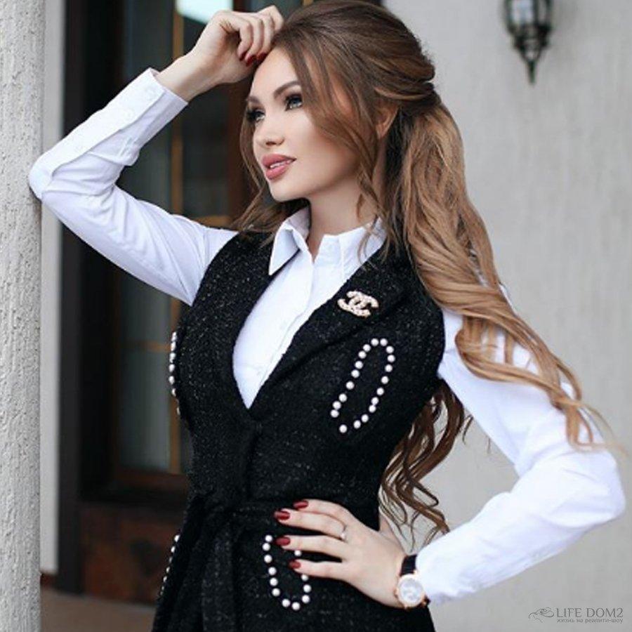 Поклонники Евгении Феофилактовой советуют ей обратит внимание на неадекватных подписчиков ее сына