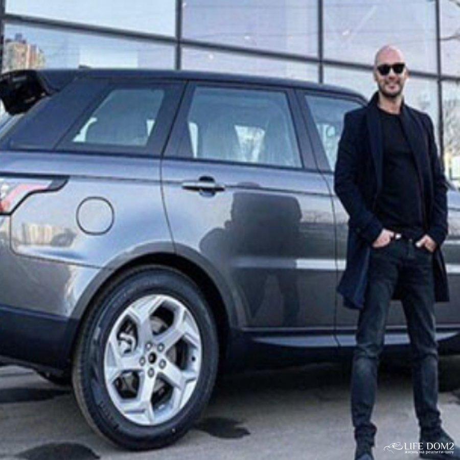 Андрей Черкасов похвастался приобретением дорогого автомобиля
