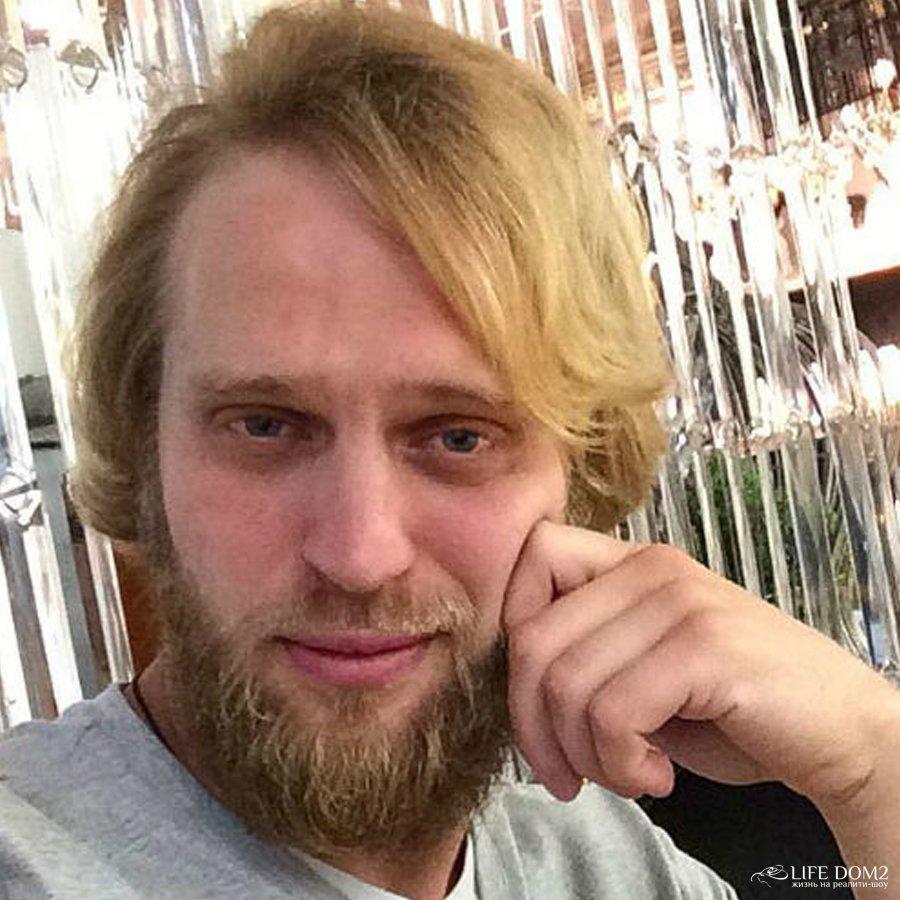 Вальтер Соломенцев унизил свою девушку, слив в сеть ее личные фотографии
